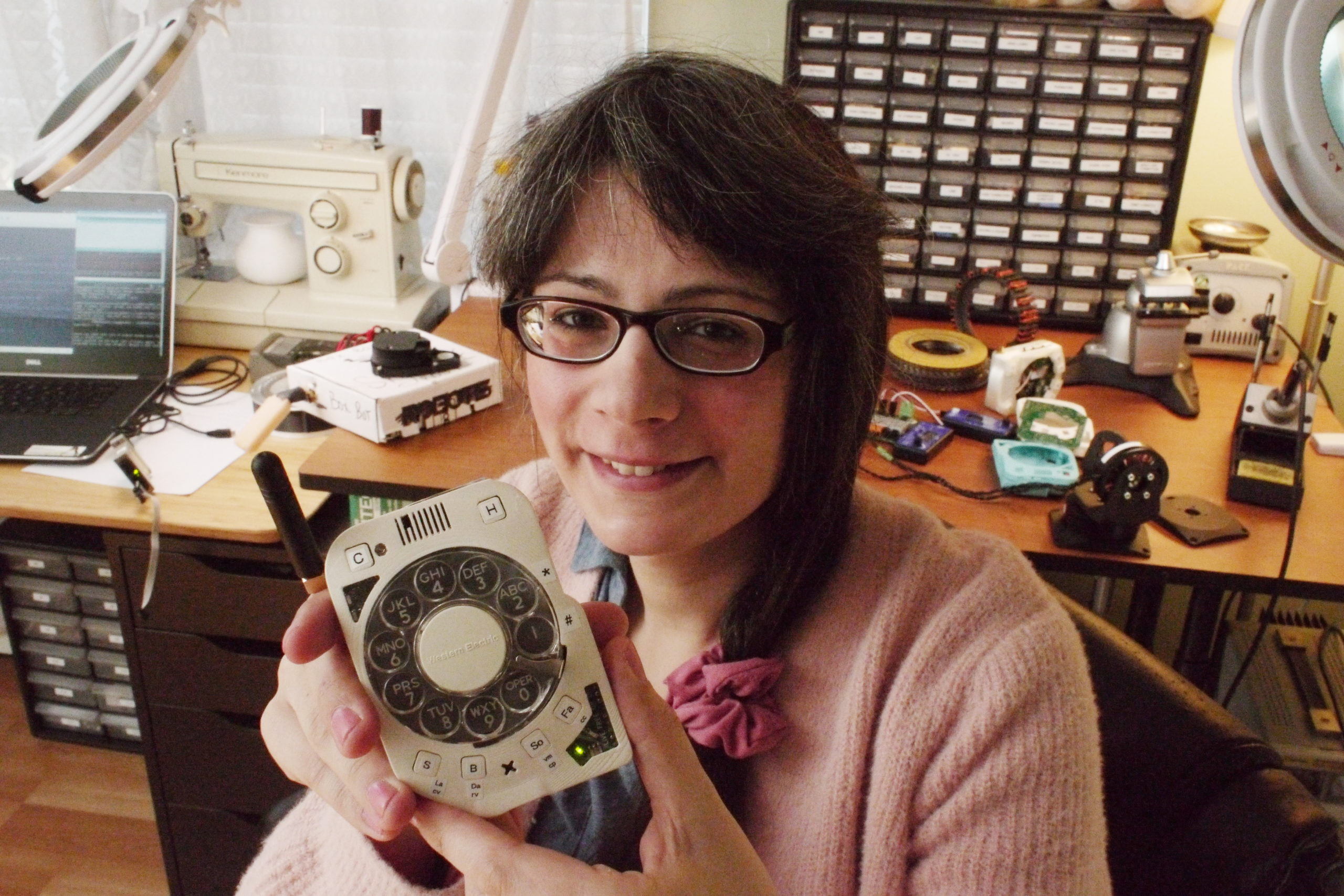 New York Engineer Builds a Distraction-Free Phone with Rotary Dials